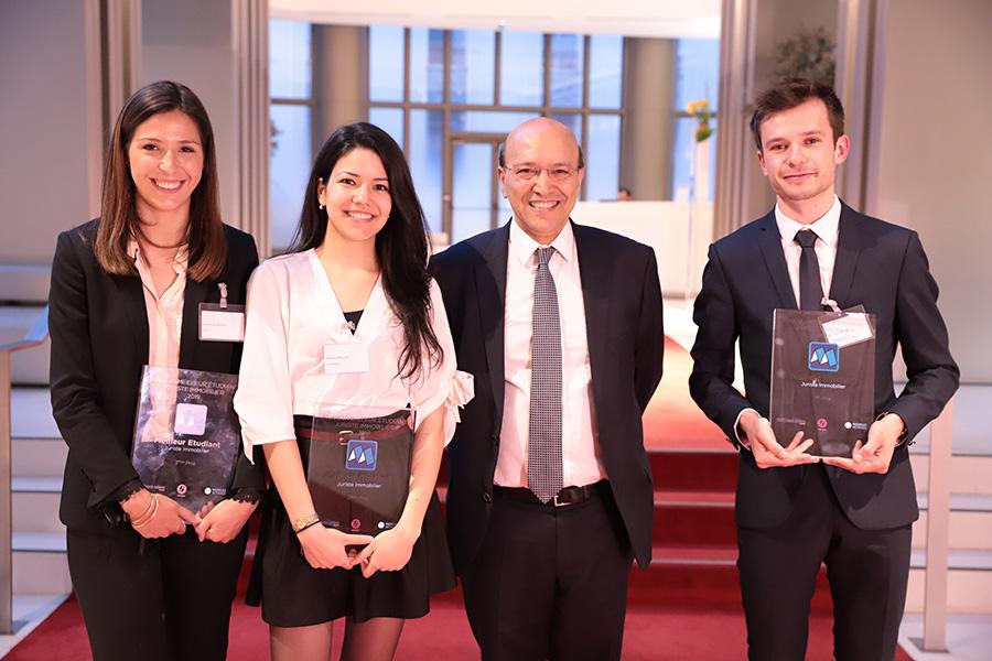 Les trois finalistes avec Mahbod HAGHIGHI, Président de Juridim